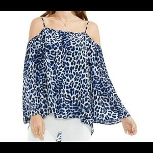 NWT Vince Camuto Leopard Print Flowy Top
